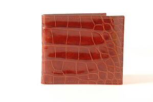 Alligator leather makes for a highly attractive wallet design that is practical and sophisticated.